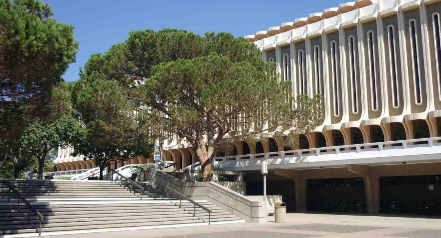 Langson Library, UC Irvine